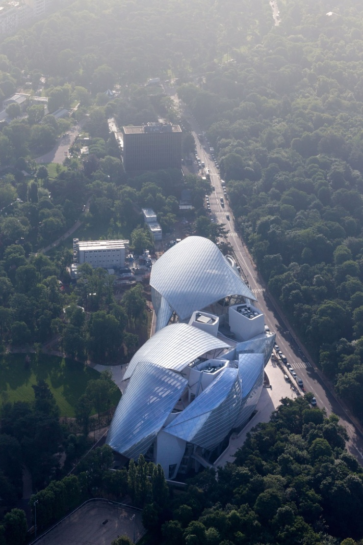 thumbs_98-aerial-view-paris-museum-louis-vuitton-foundation-frank-gehry.jpg.770x0_q95